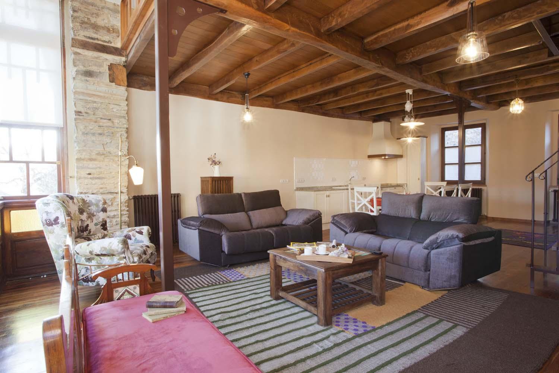 Salón con chimenea - Apartamento rural La Galería